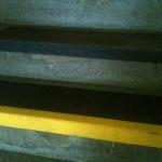 Naprawa schodów - Kamienica Kraków - nakładka antypoślizgowa