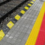 Płyta z guzkami - oznakowanie peronu