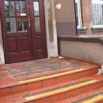 Przedszkole nr. 75 - Kraków - antypoślizgowe zabezpieczenie schodów, oznakowanie